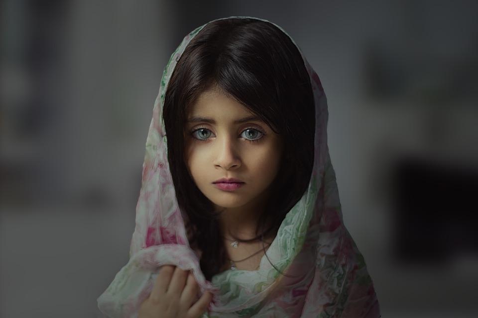 中東 少女