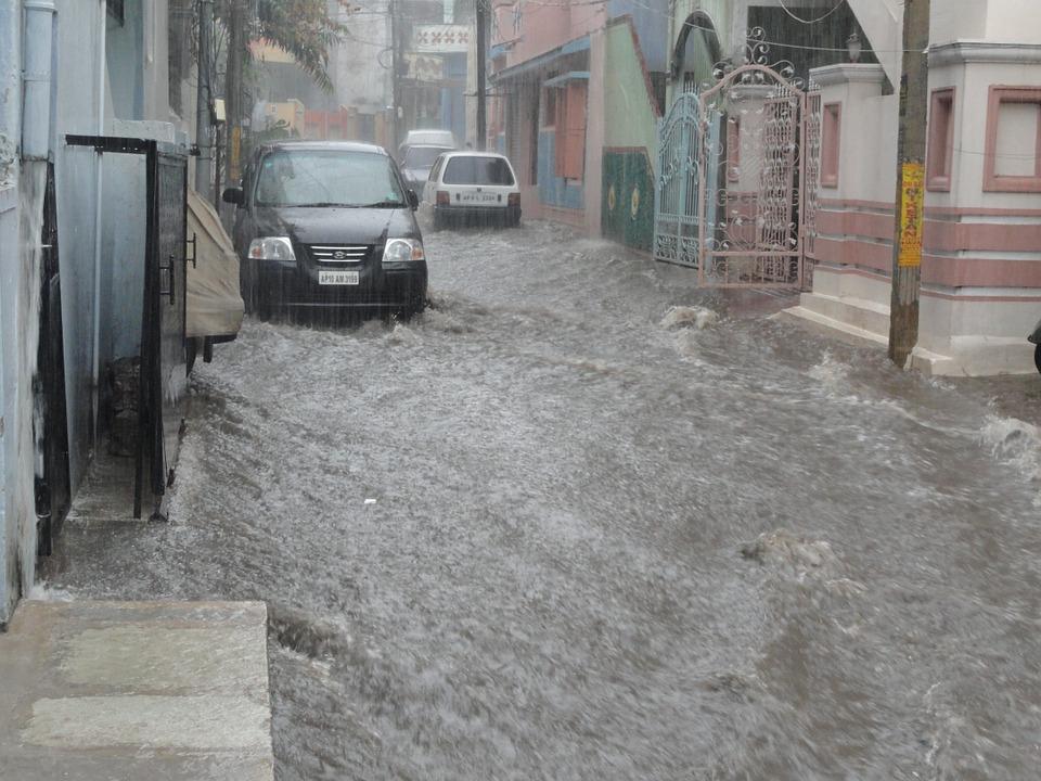 市内の洪水