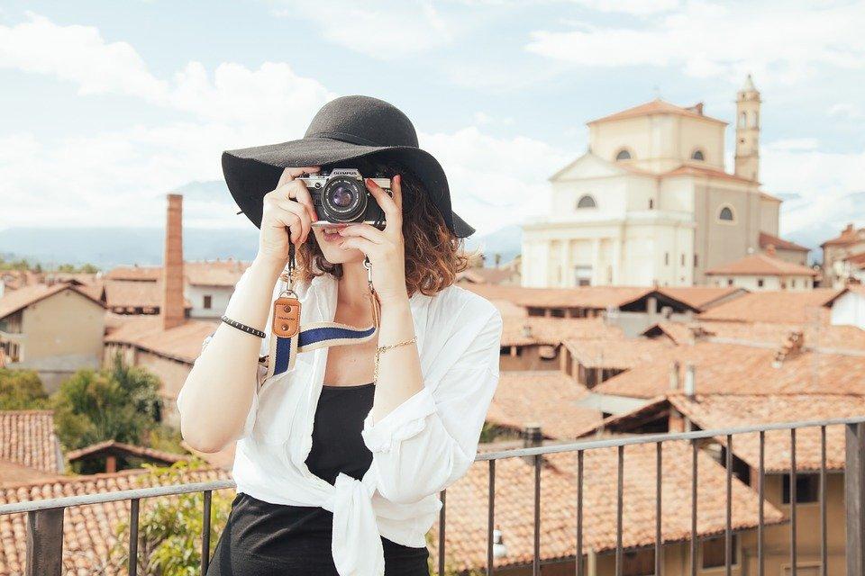 女性 写真撮影